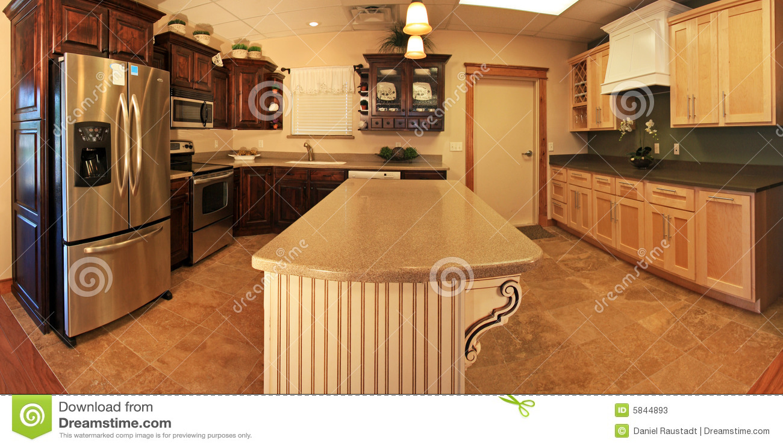 Cocina moderna espaciosa