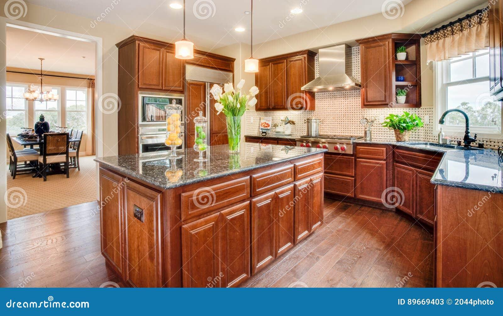 Cocina y comedor caseros residenciales