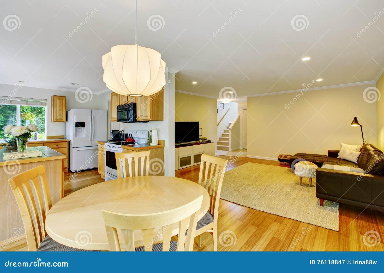 Cocina y sala de estar de la planta di fana tambi n for Planos de sala cocina y comedor