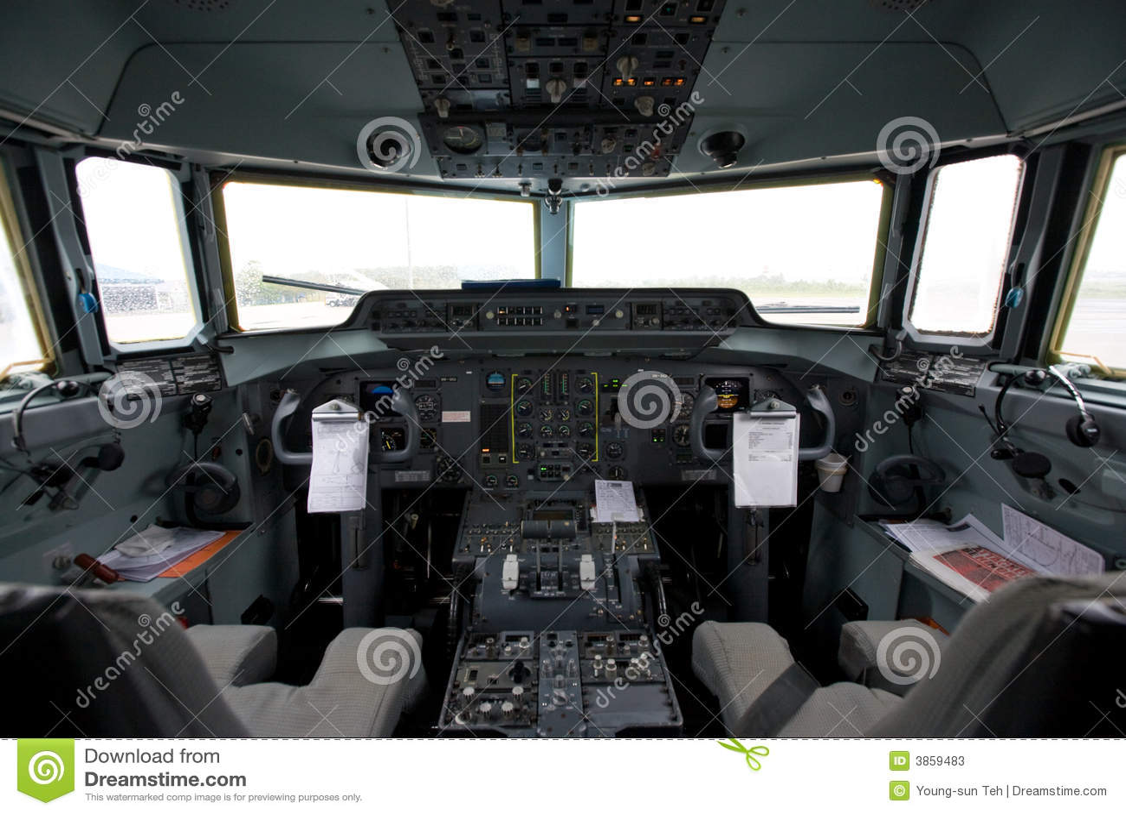 Cockpit eines Flugzeuges