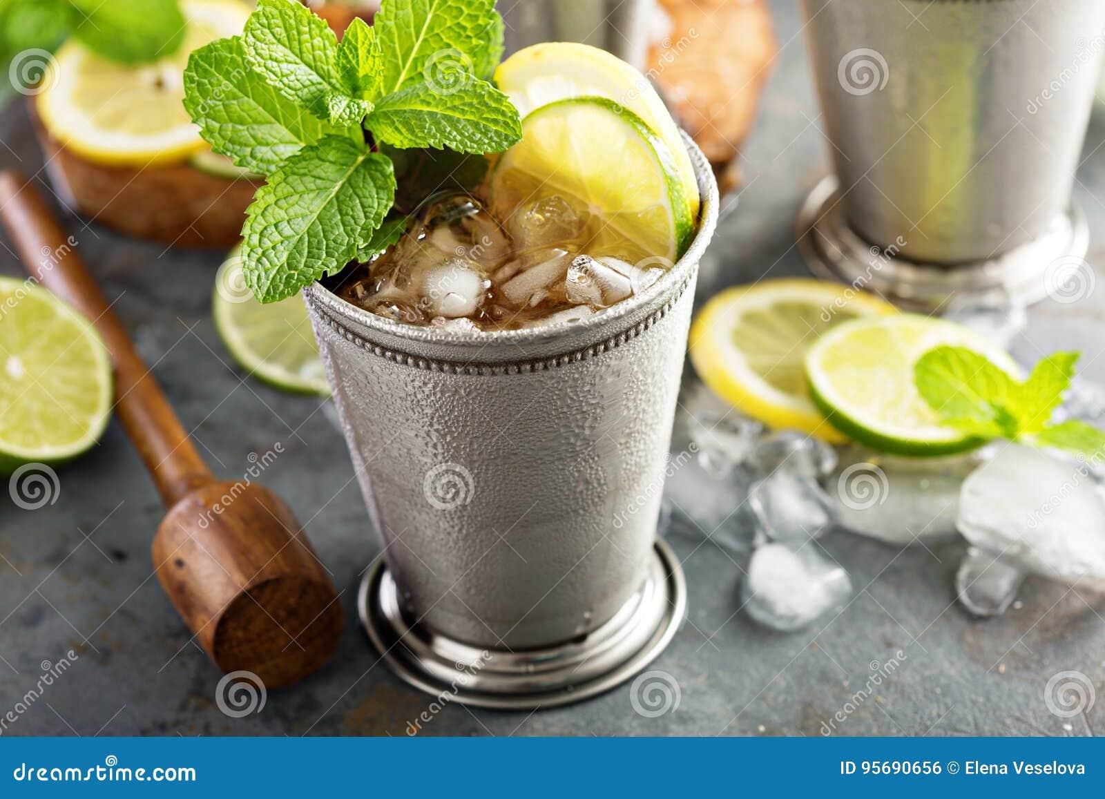 Cocktail classique de julep en bon état