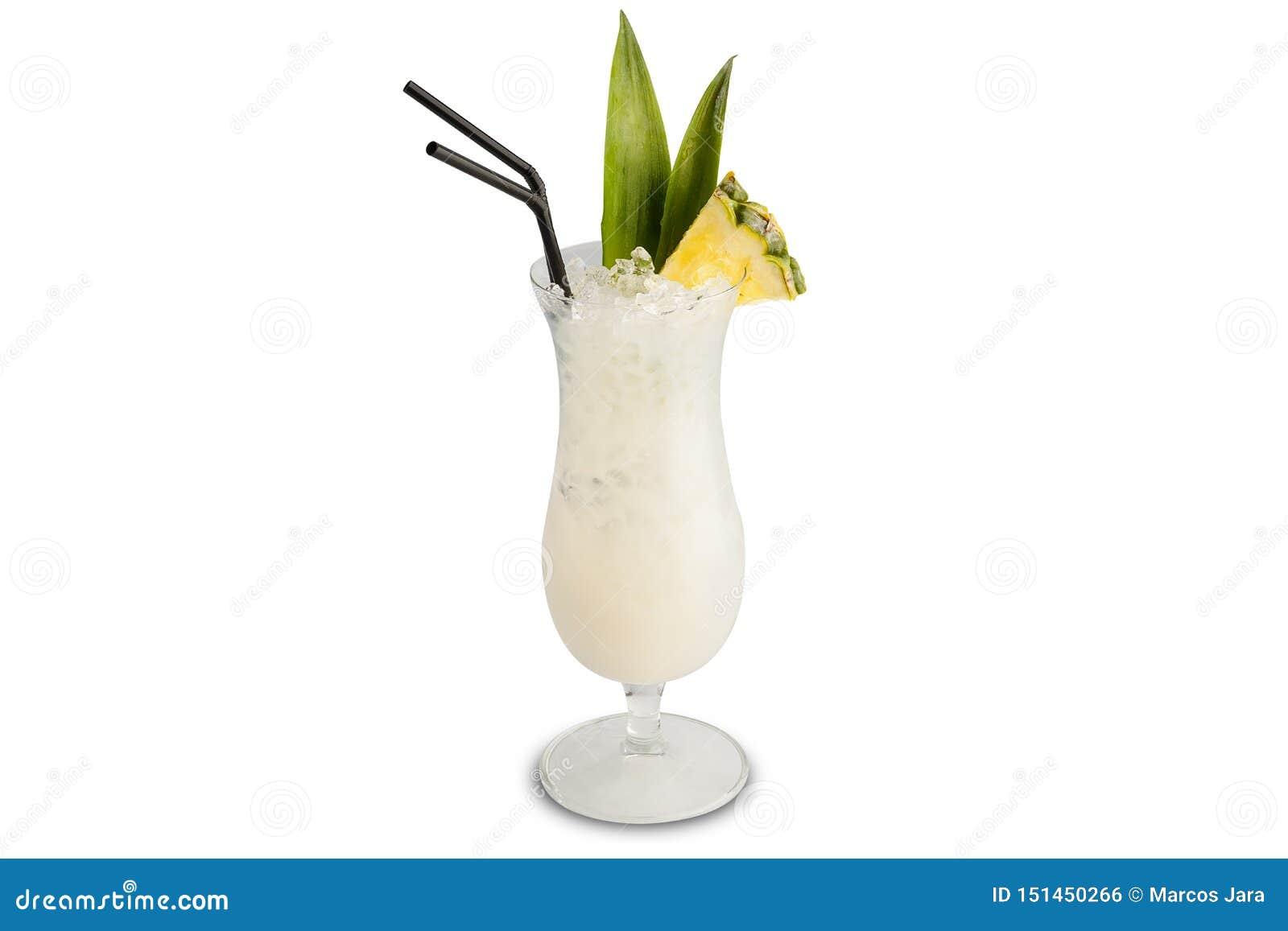 Cocktail de colada de Pina d isolement sur le fond blanc