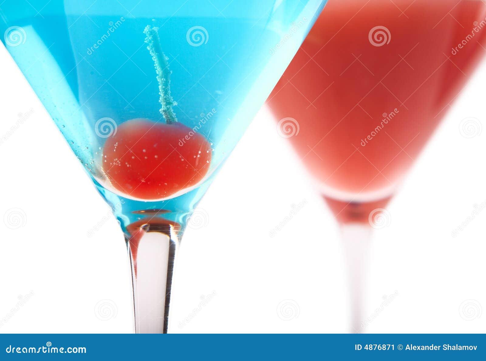 Cocktails bleus et rouges