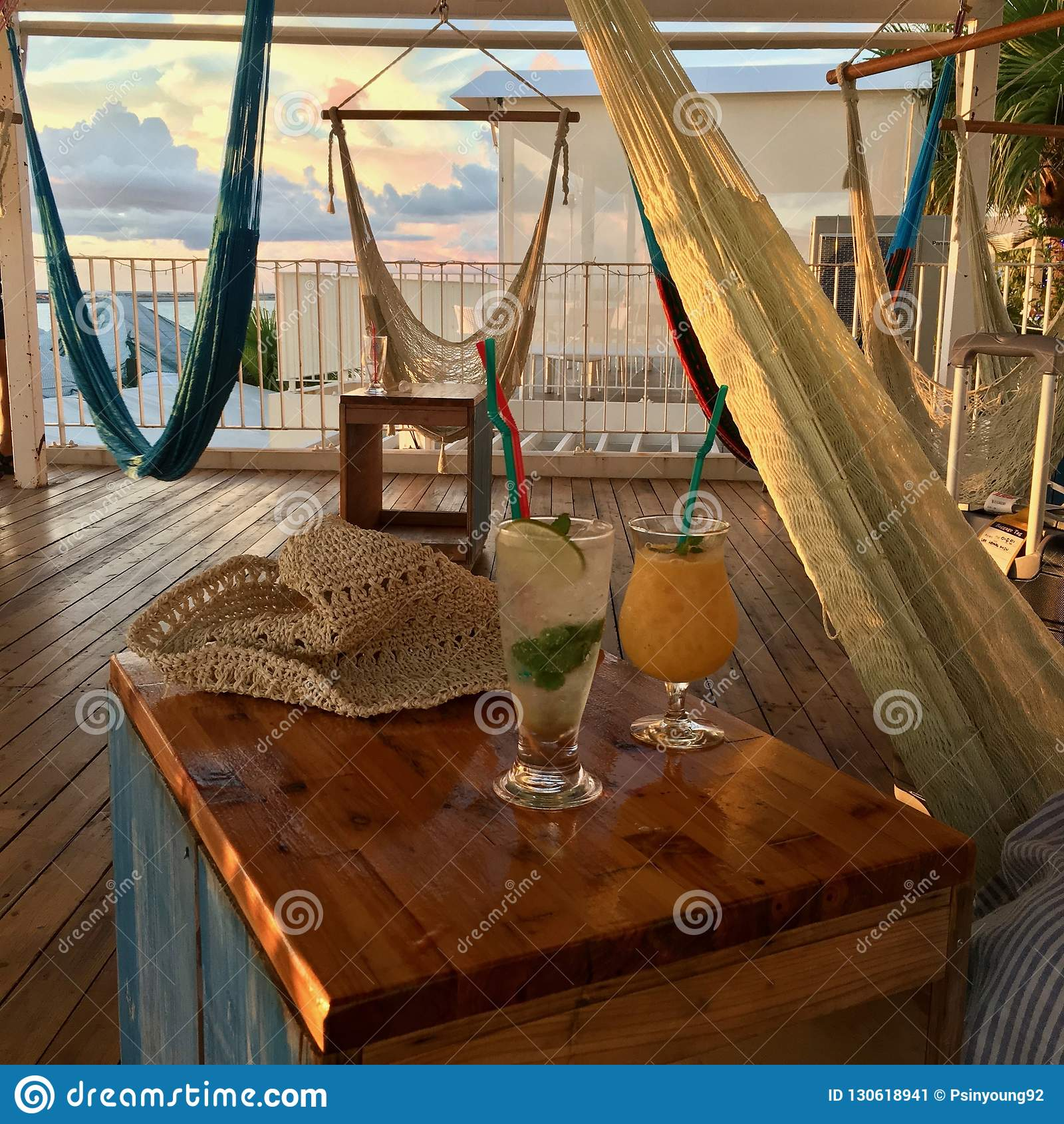Cocktails & Hammocks & Hanging chairs - pure Relaxation in Japan