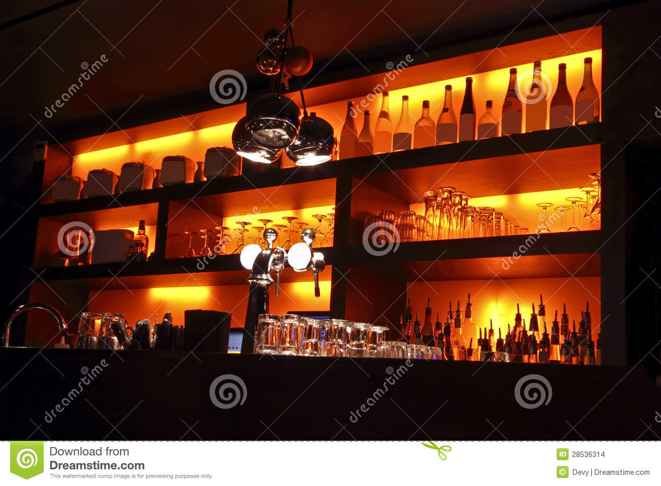 https://thumbs.dreamstime.com/z/coctail-bar-interior-28536314.jpg