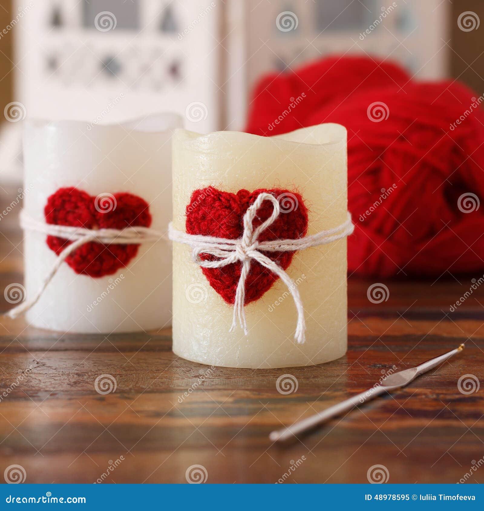 coeur rouge de crochet fait main pour la bougie pour la saint valentin de saint photo stock. Black Bedroom Furniture Sets. Home Design Ideas