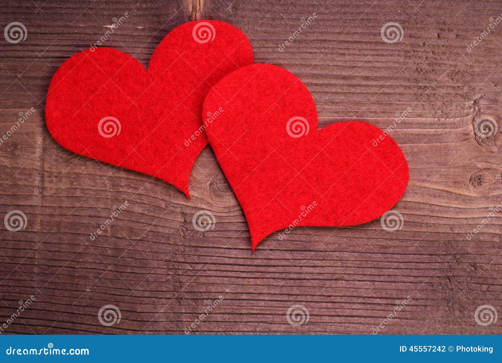 Coeur sur le bois