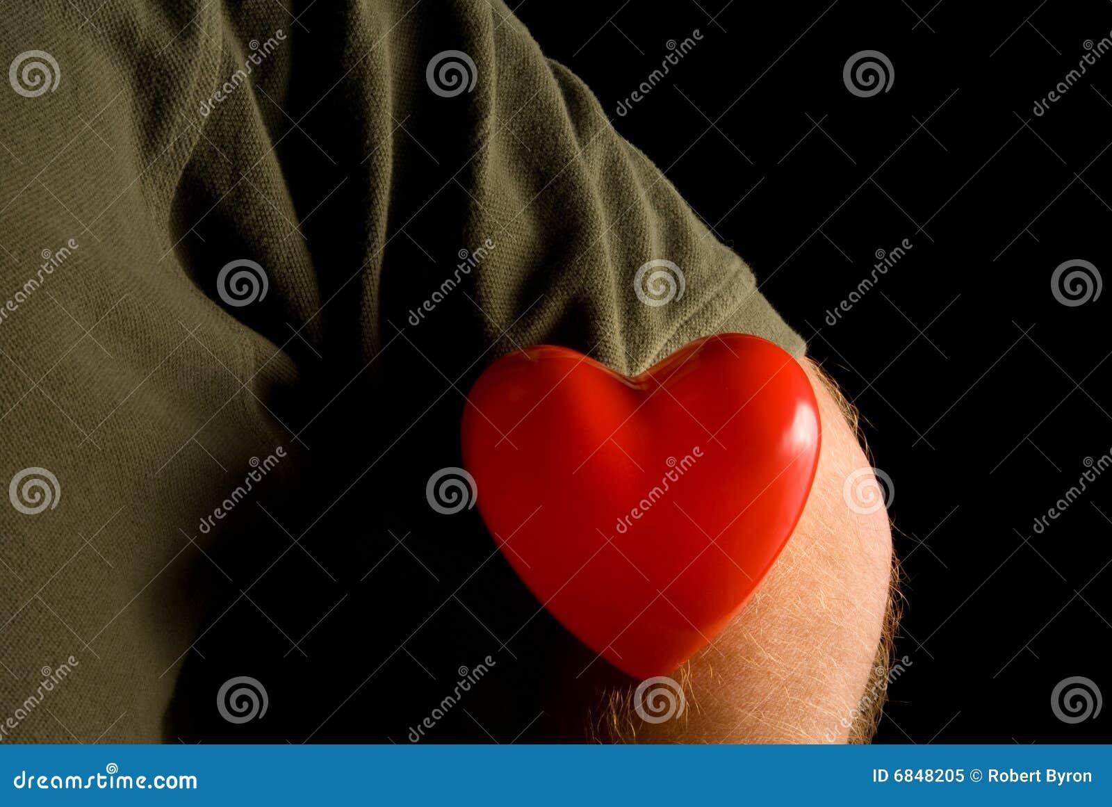Coeur sur une chemise