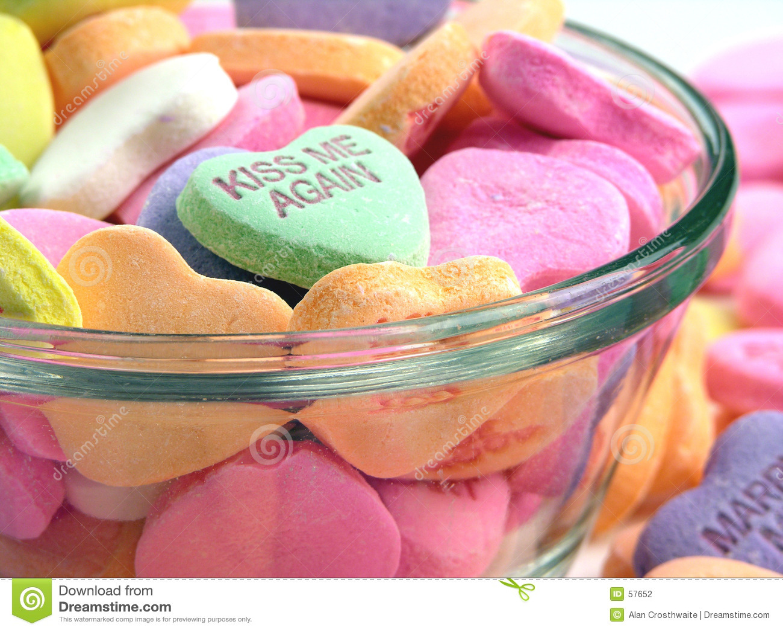 Download Coeurs De Sucrerie Dans Un Paraboloïde Photo stock - Image du coeur, coeurs: 57652