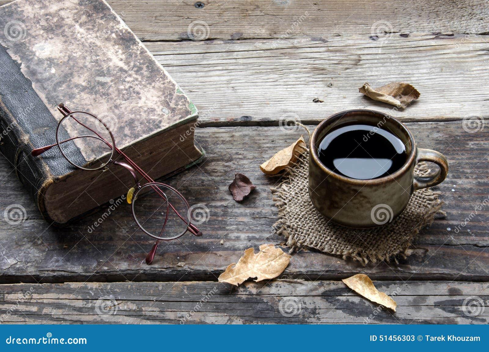 Coffe en oud boek