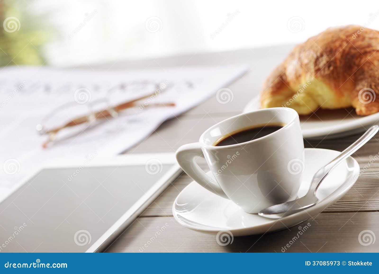 Download Coffe przerwa przy pracą obraz stock. Obraz złożonej z dotyk - 37085973