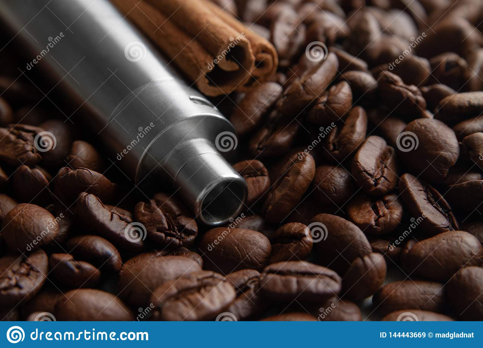 Coffee and cinnamon flavored vape juice concept