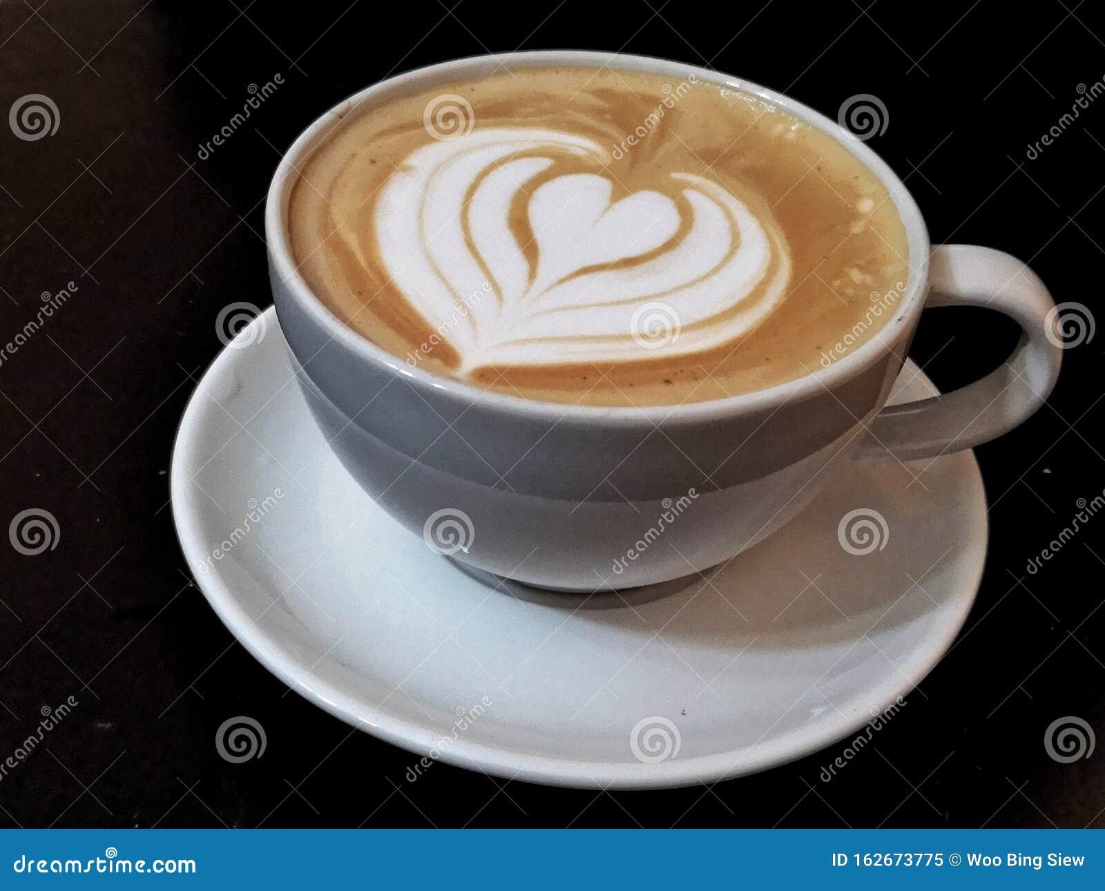 Coffee Latte Art Heart Shape Stock Image - Image of plate, latte: 162673775