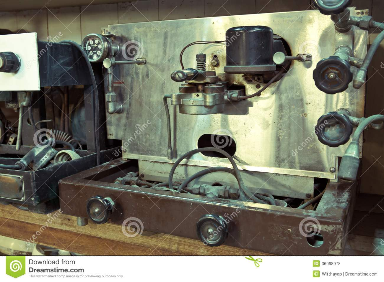 Coffee machine royalty free stock photos image 36068978 - Machine a cafe vintage ...