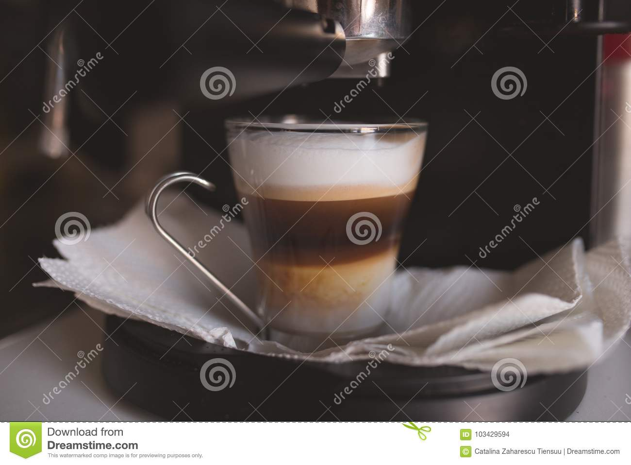 Home coffee preparation with an expresso machine