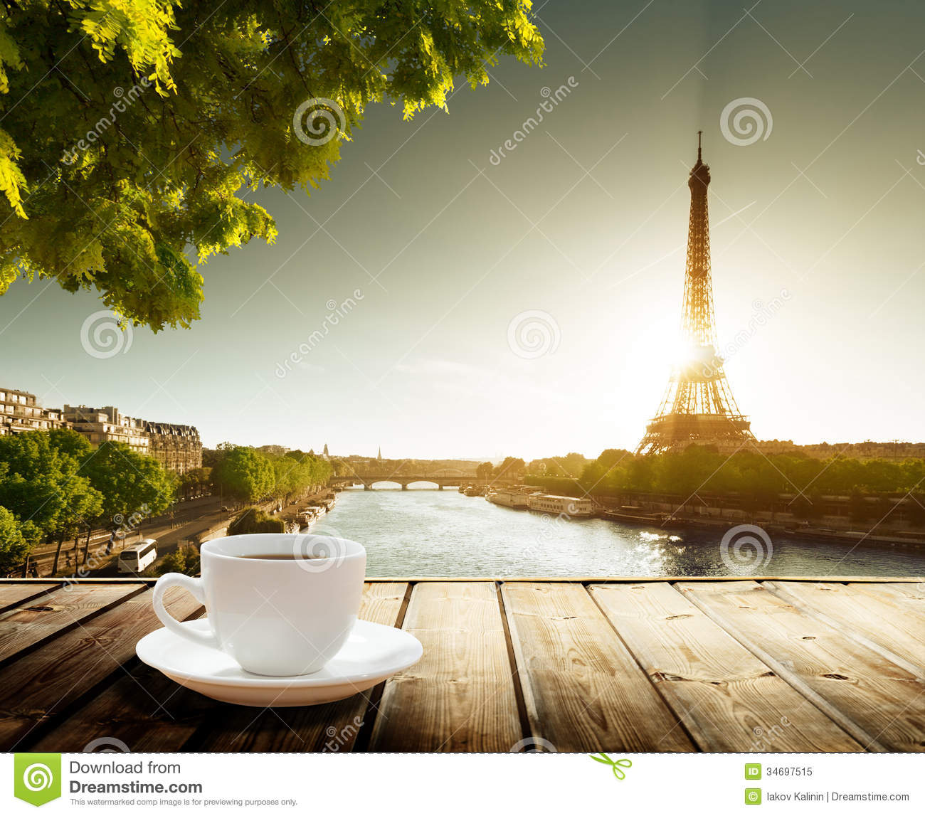 Coffee on table and eiffel tower royalty free stock photo for Set de table epais