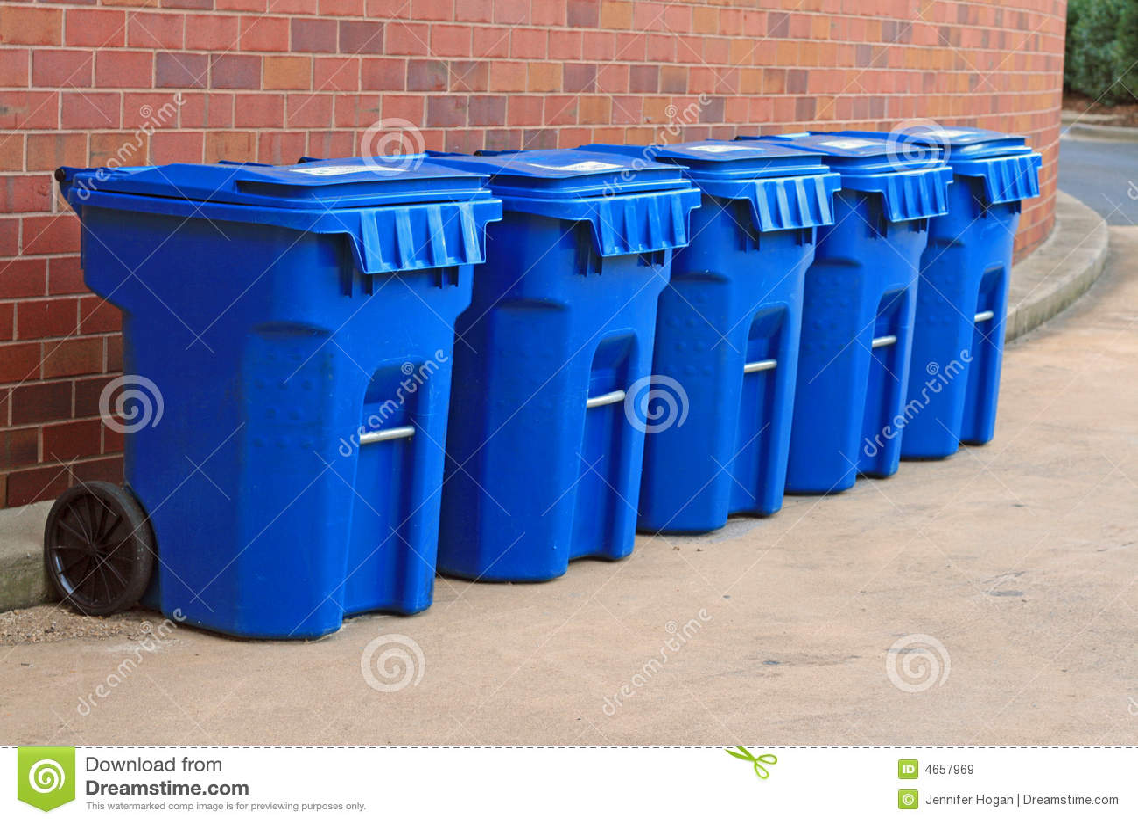 Coffres d ordures bleus