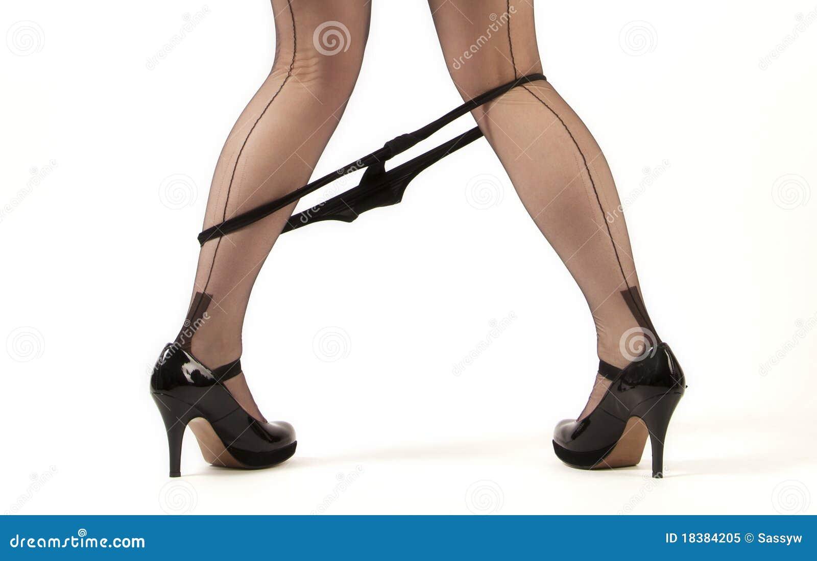 image Piernas de mujer de negocios