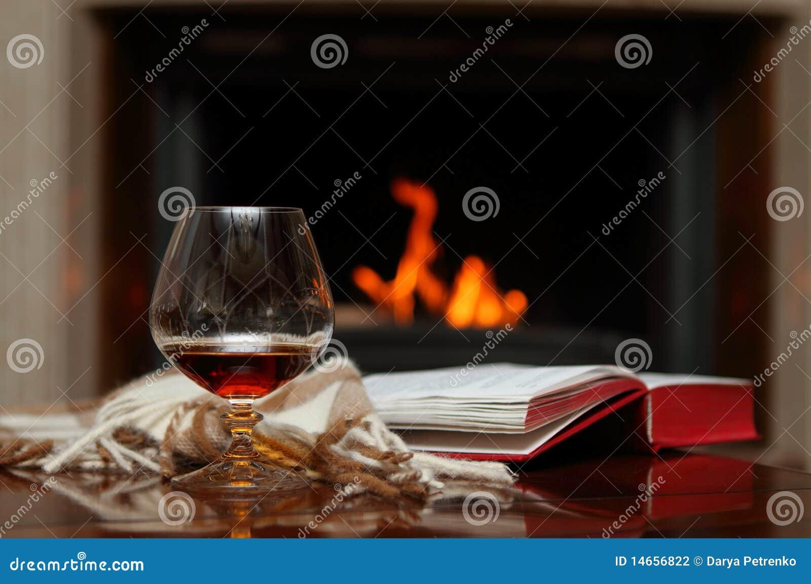 Cognac door de open haard