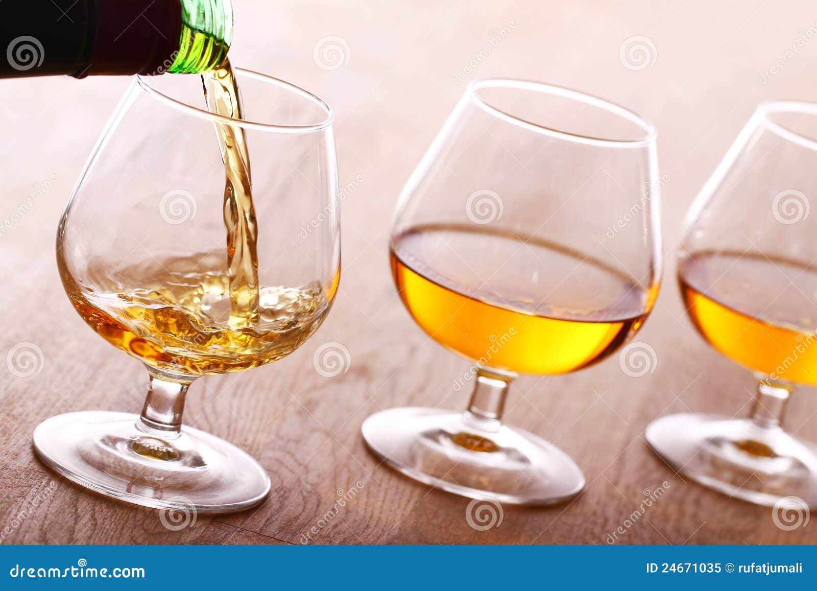 Cognac pleuvant à torrents dans la glace