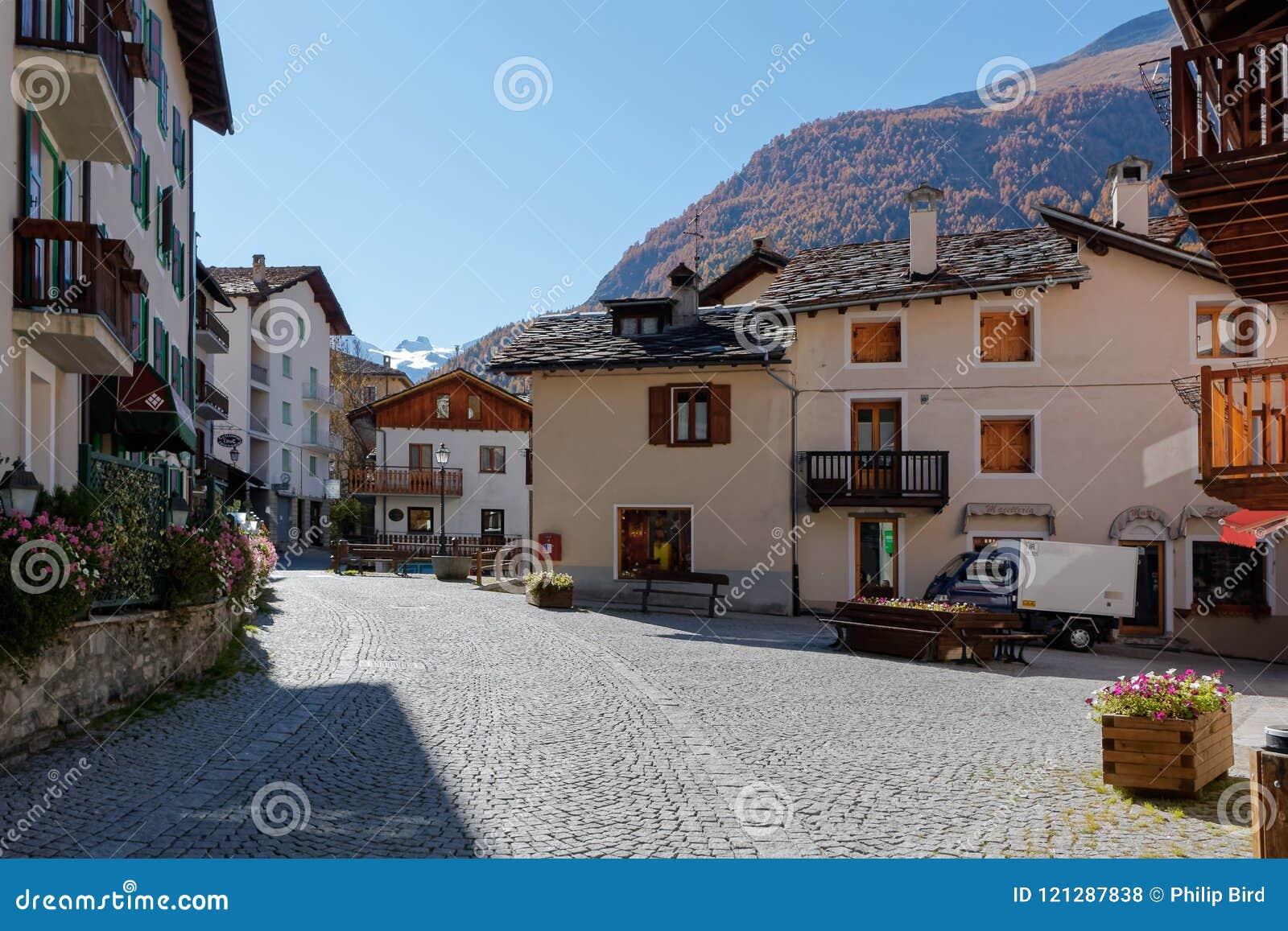 COGNE, ITALY/EUROPE - OCTOBER 26 : Street scene in Cogne Italy o
