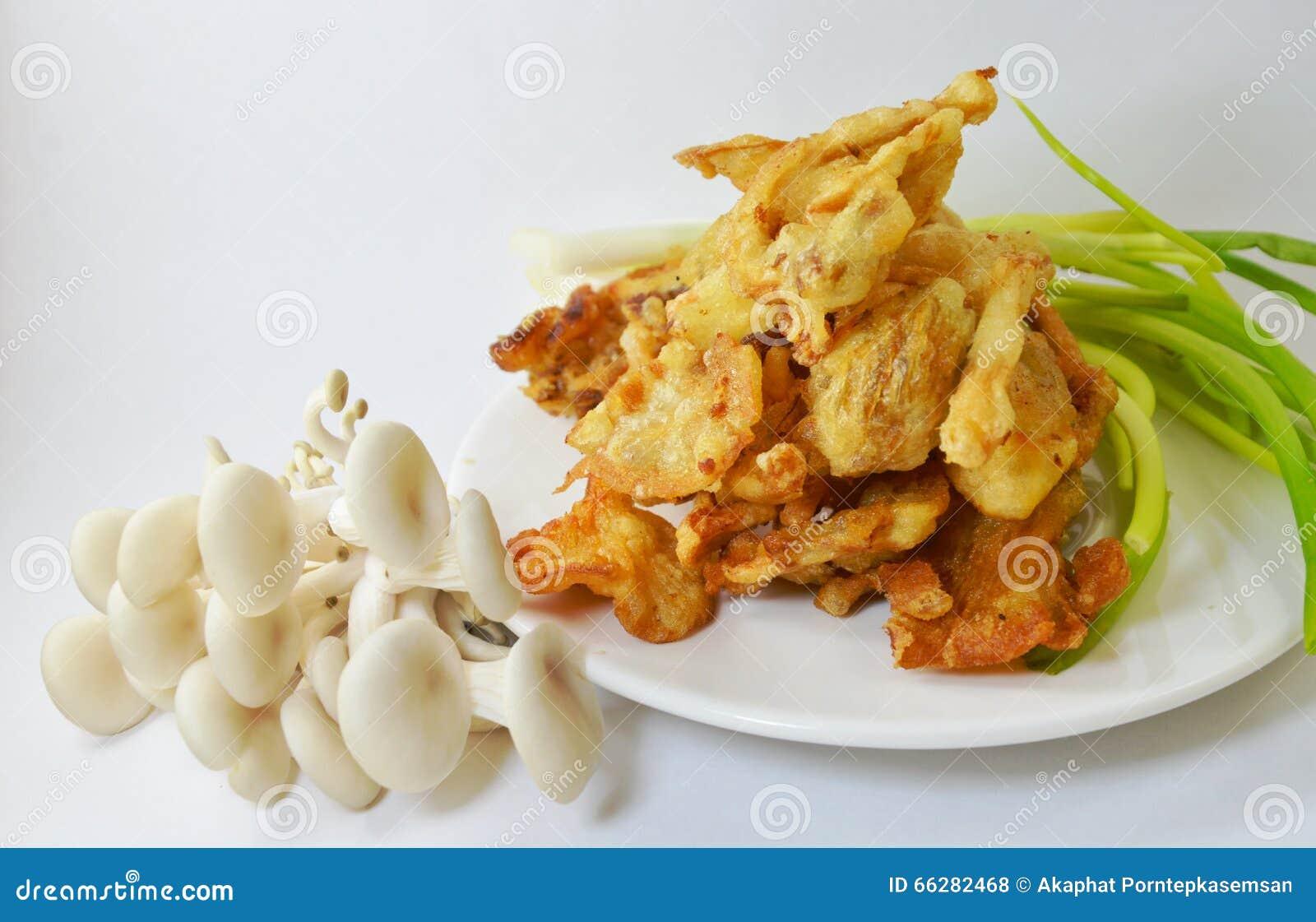 Cogumelo de ostra Massa-fritado no prato