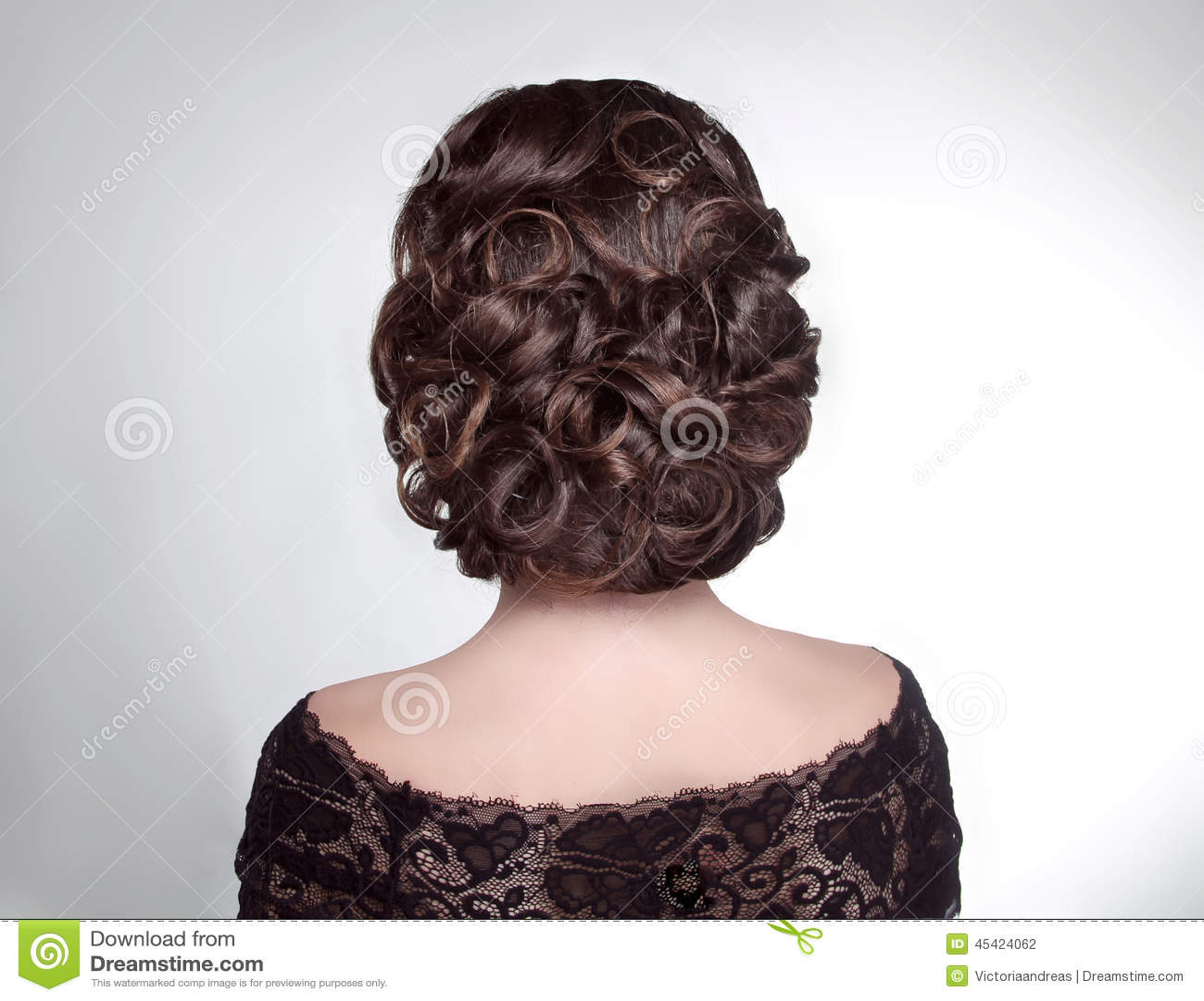 coiffure de mariage de beaut jeune mari e fille de brune. Black Bedroom Furniture Sets. Home Design Ideas