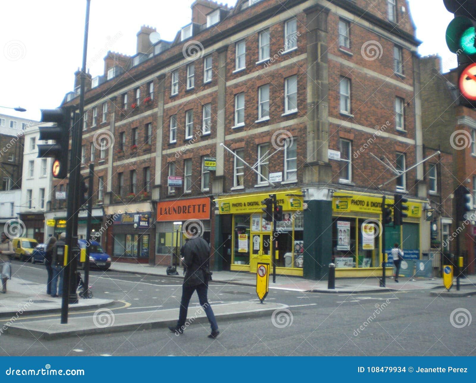 Spaces Rue De Londres coin d'une rue de londres angleterre image stock éditorial