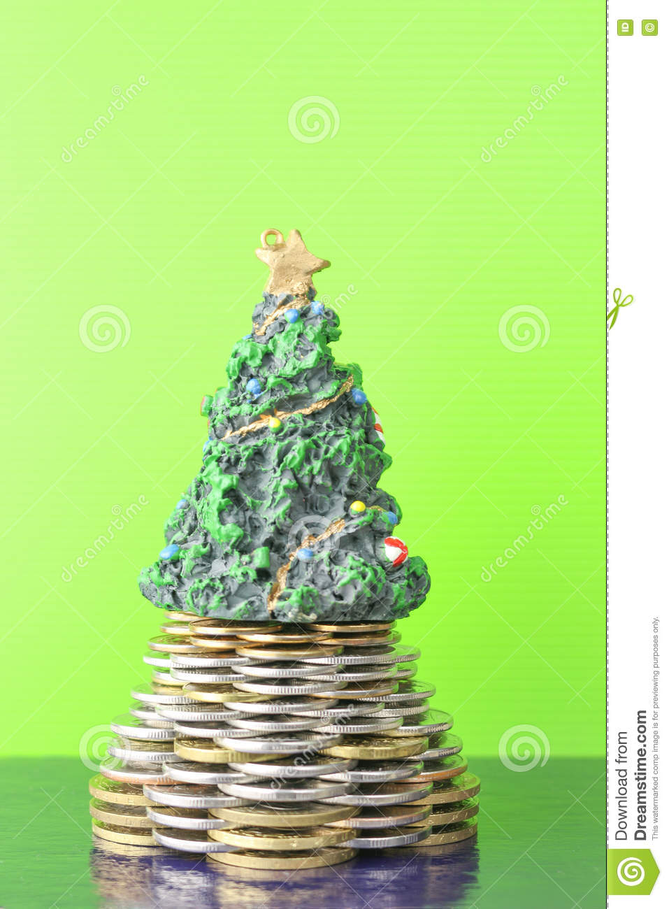 Pyramid christmas ornament - Coins Pyramid Christmas Tree The New Year Holiday Business Growth Concept Finance