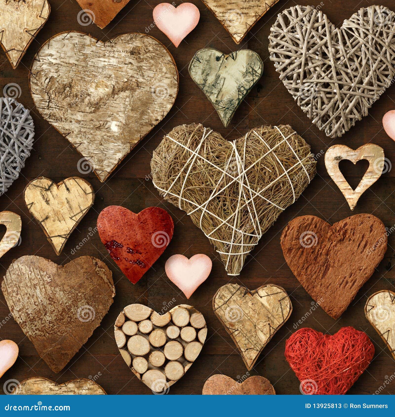 Coisas de madeira dadas forma coração