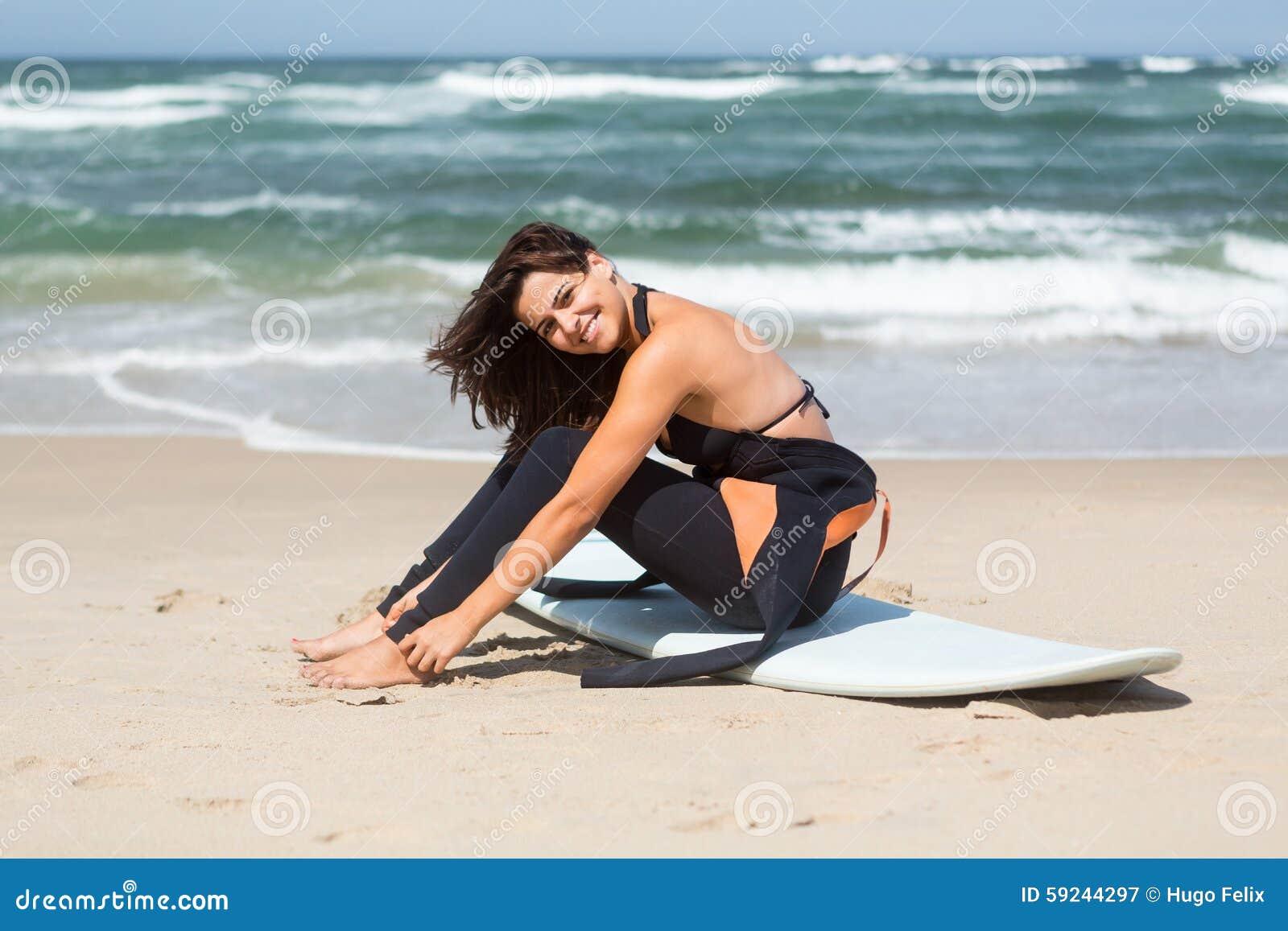 Download ¡Cojamos algunas ondas! imagen de archivo. Imagen de hermoso - 59244297