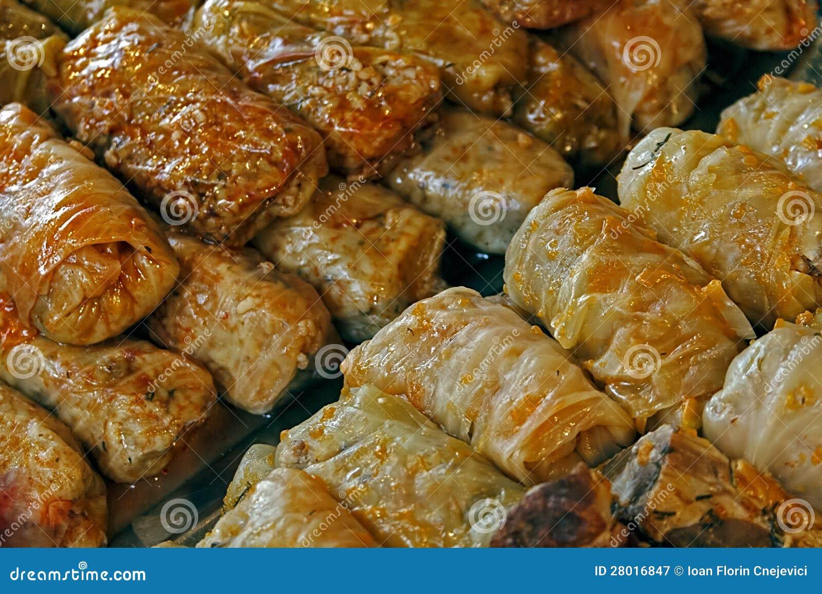 Col cocinada. Comida rumana tradicional.