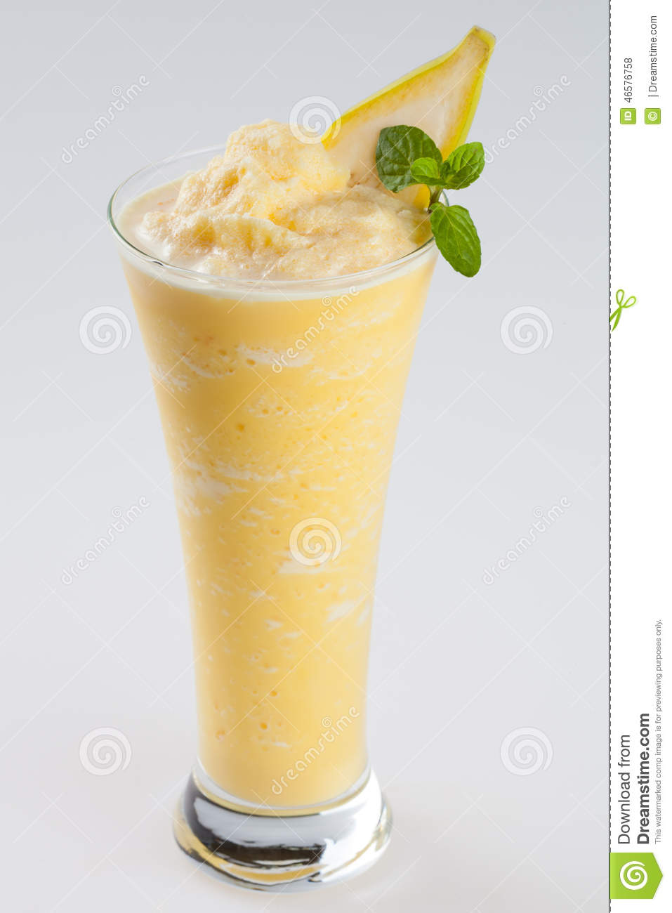 how to make banana smoothie with ice