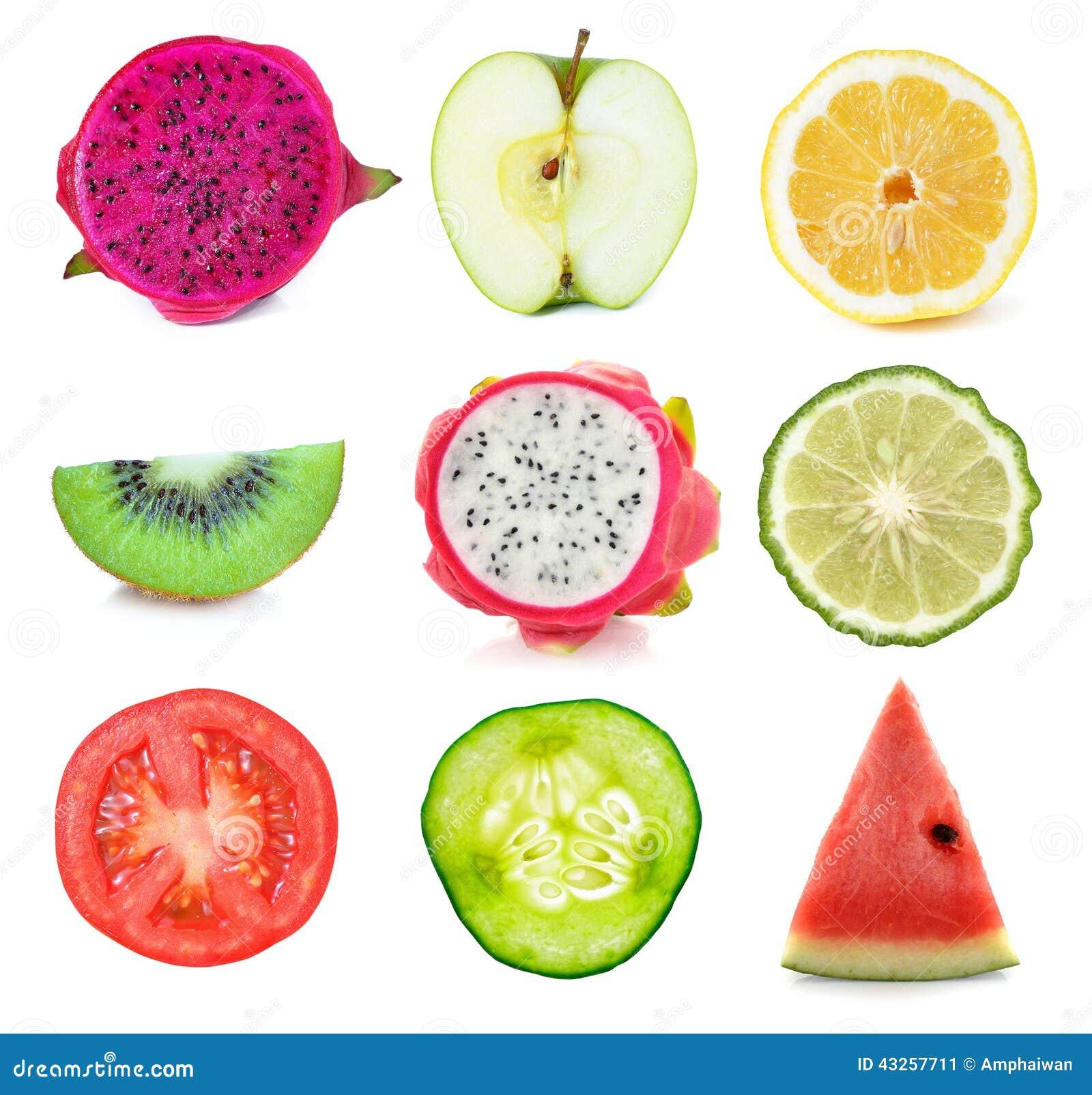 Coleção de fatias frescas das frutas e legumes