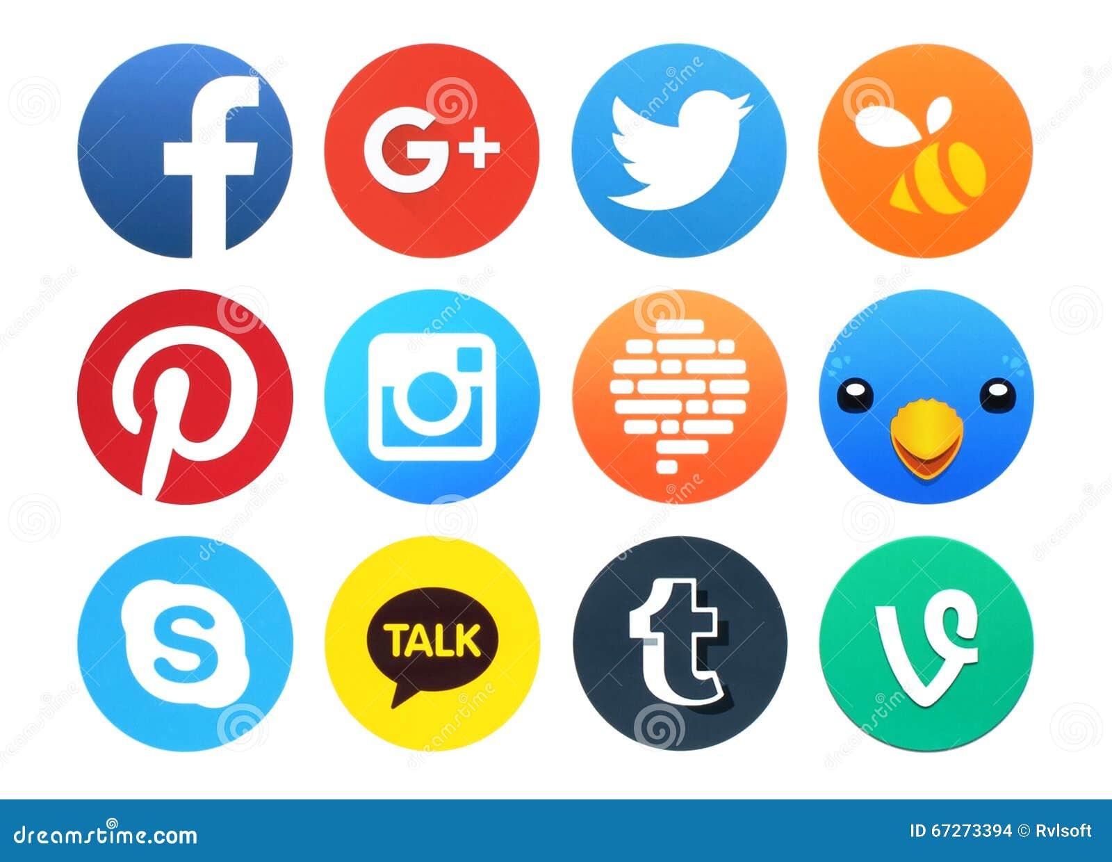 Colección de iconos sociales redondos populares del establecimiento de una red