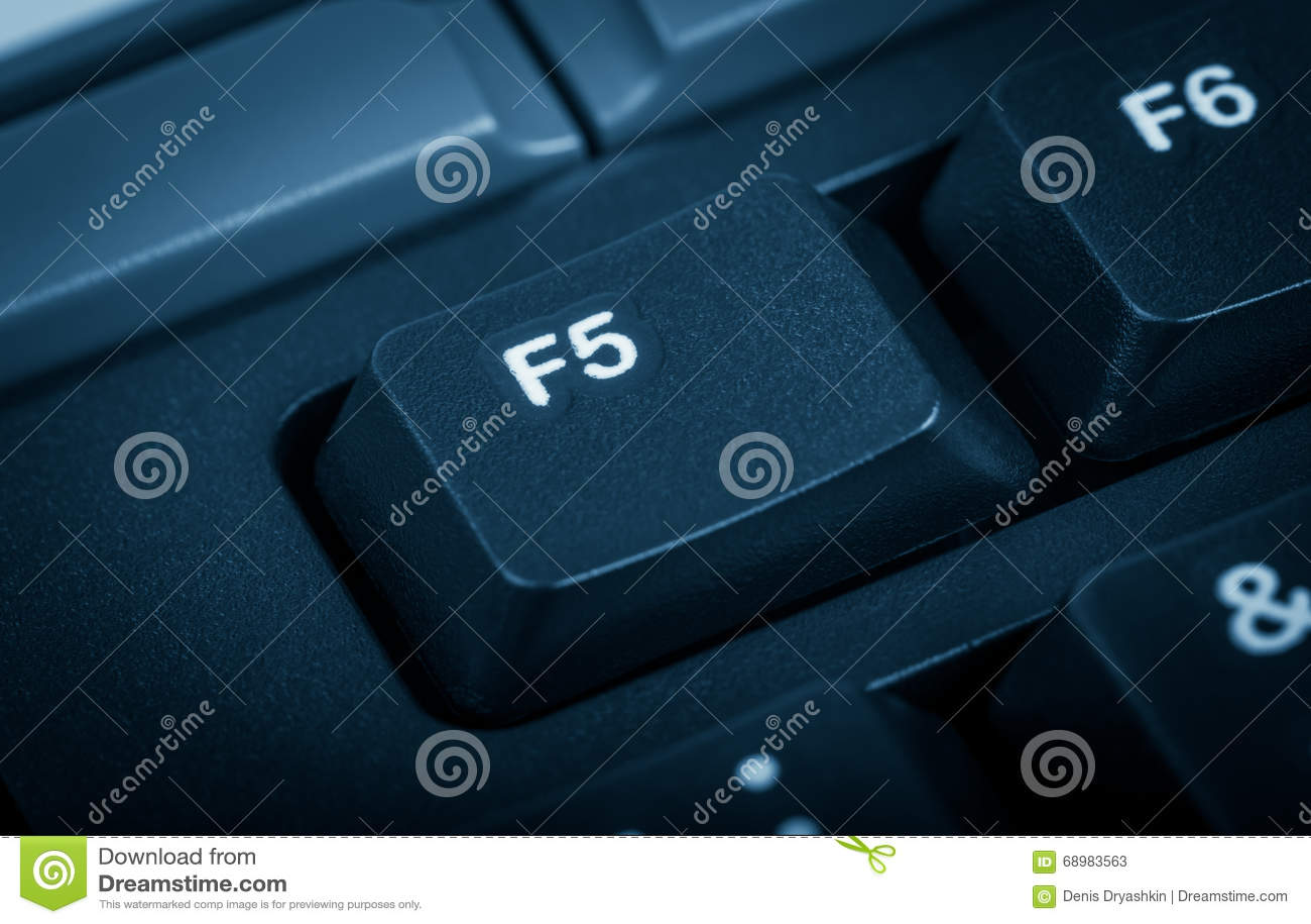 Colección electrónica - ordenador del detalle El foco en la llave F5 A