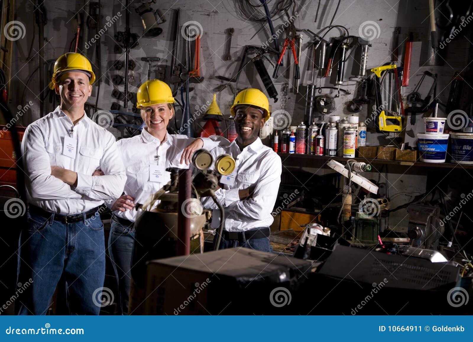 Colegas en centro de mantenimiento de la oficina imagen de for Centro de trabajo oficina