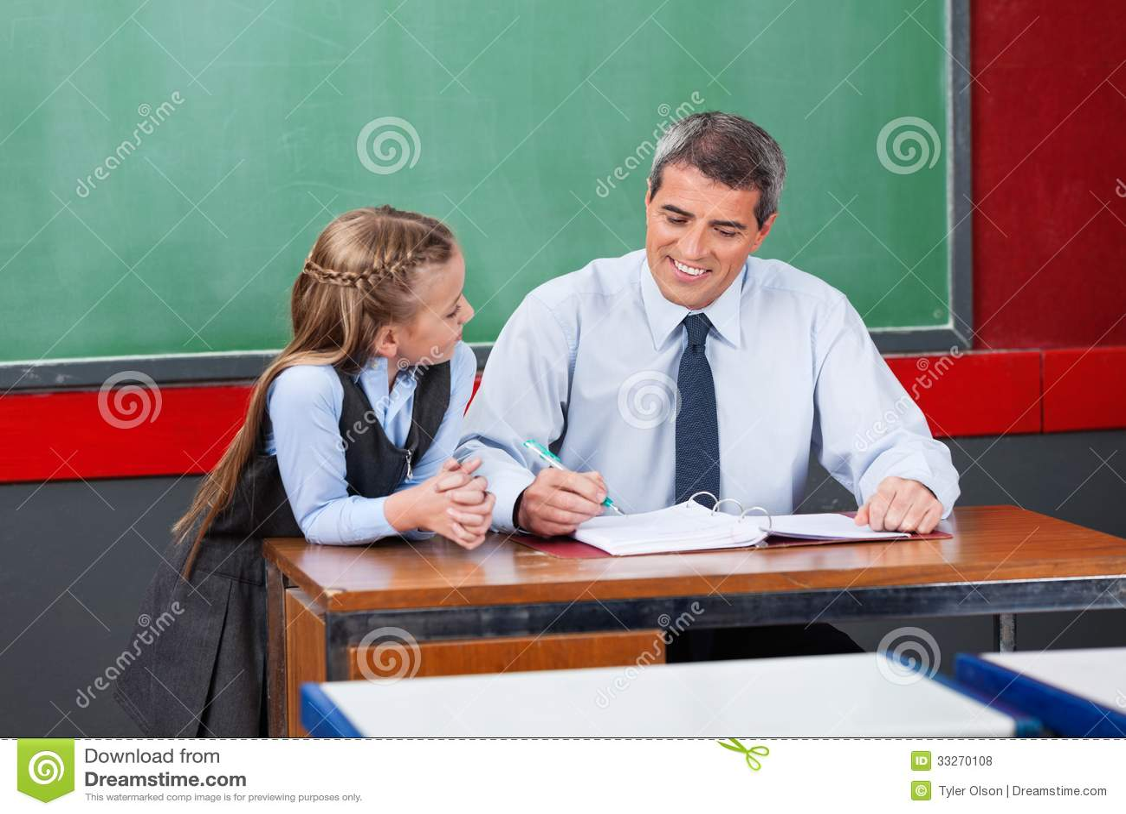 la profesora de ingles da una leccion de sexo