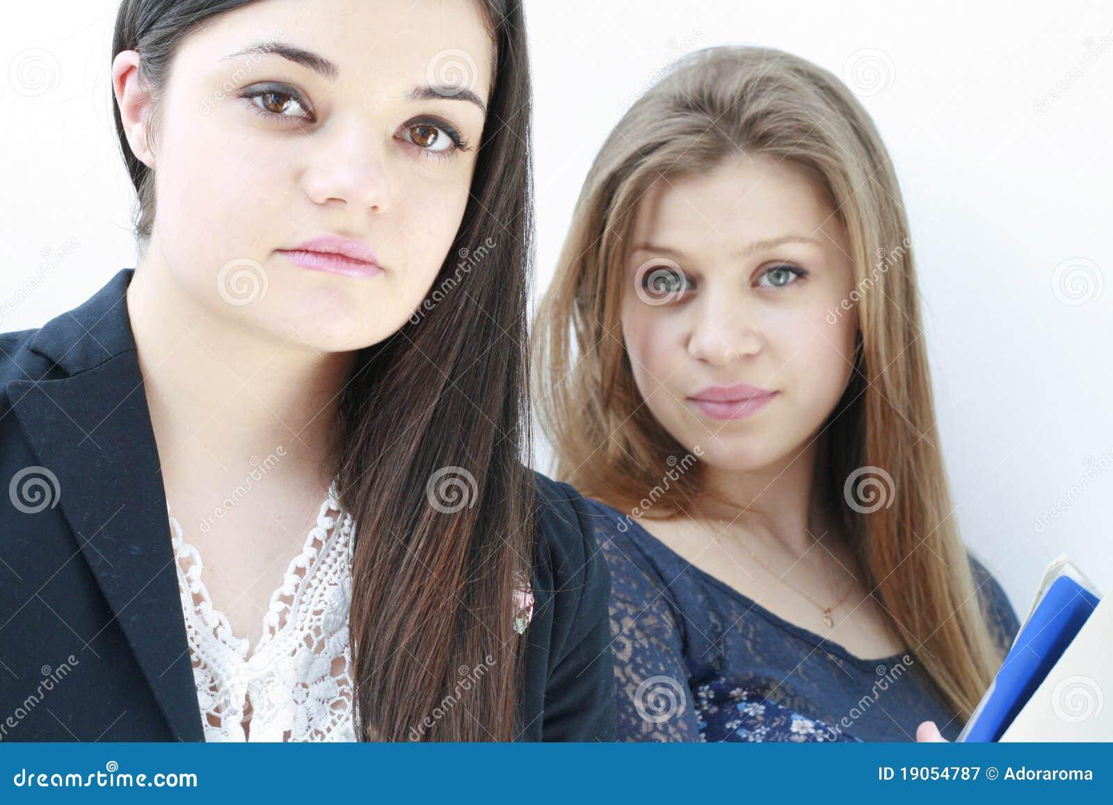 Una chica se muestra por webcam a un