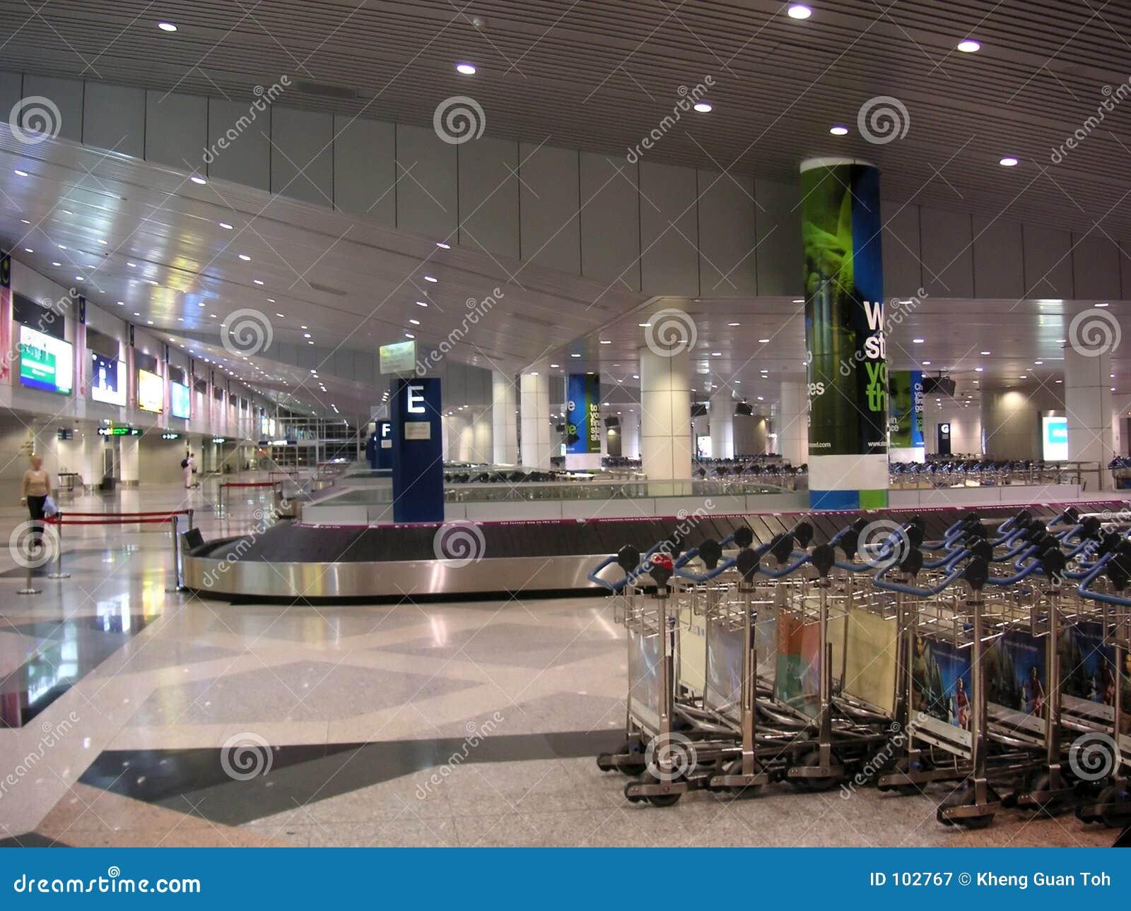 Coletor da bagagem do aeroporto