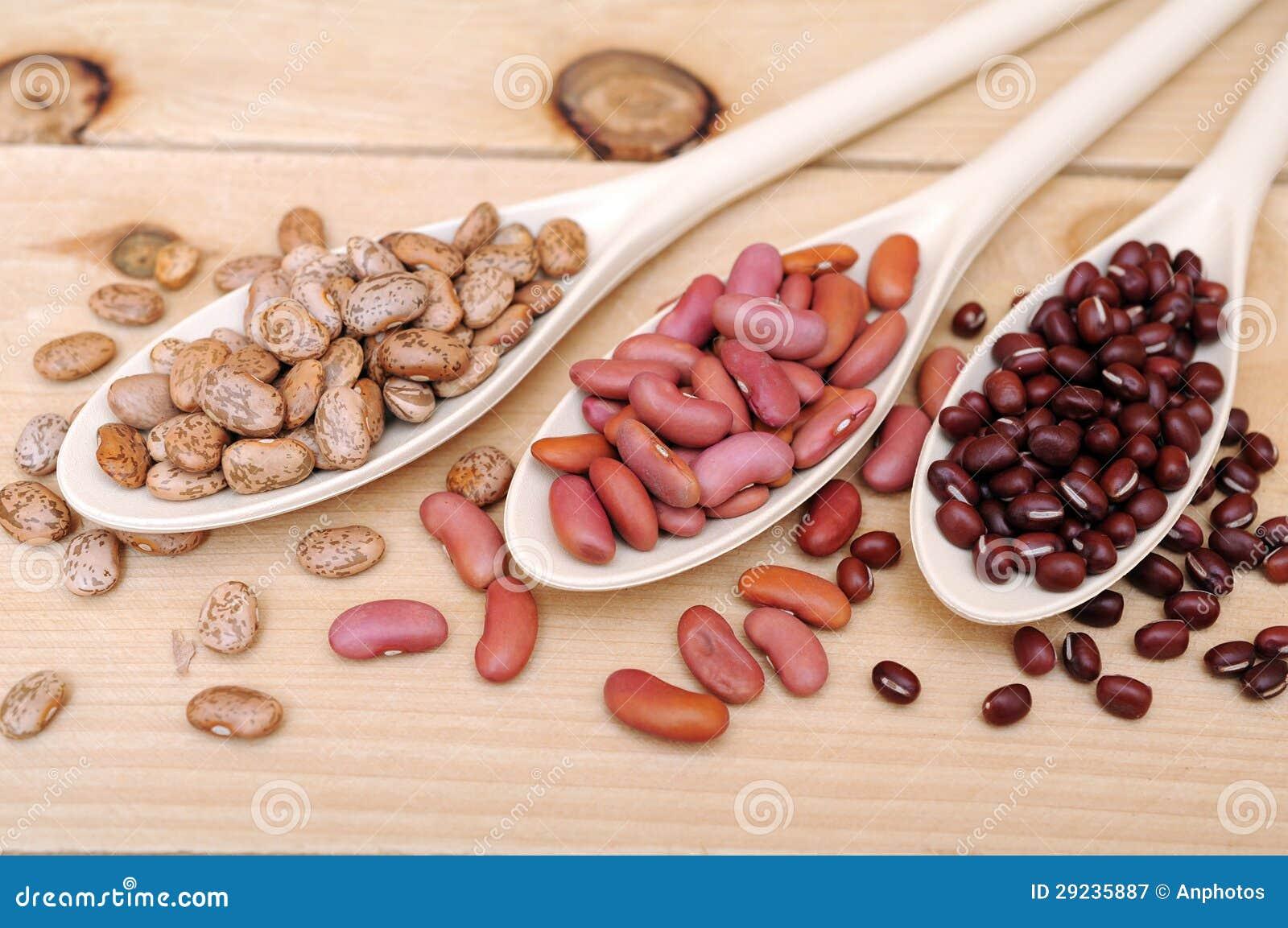 Download Colheres do feijão imagem de stock. Imagem de alimento - 29235887