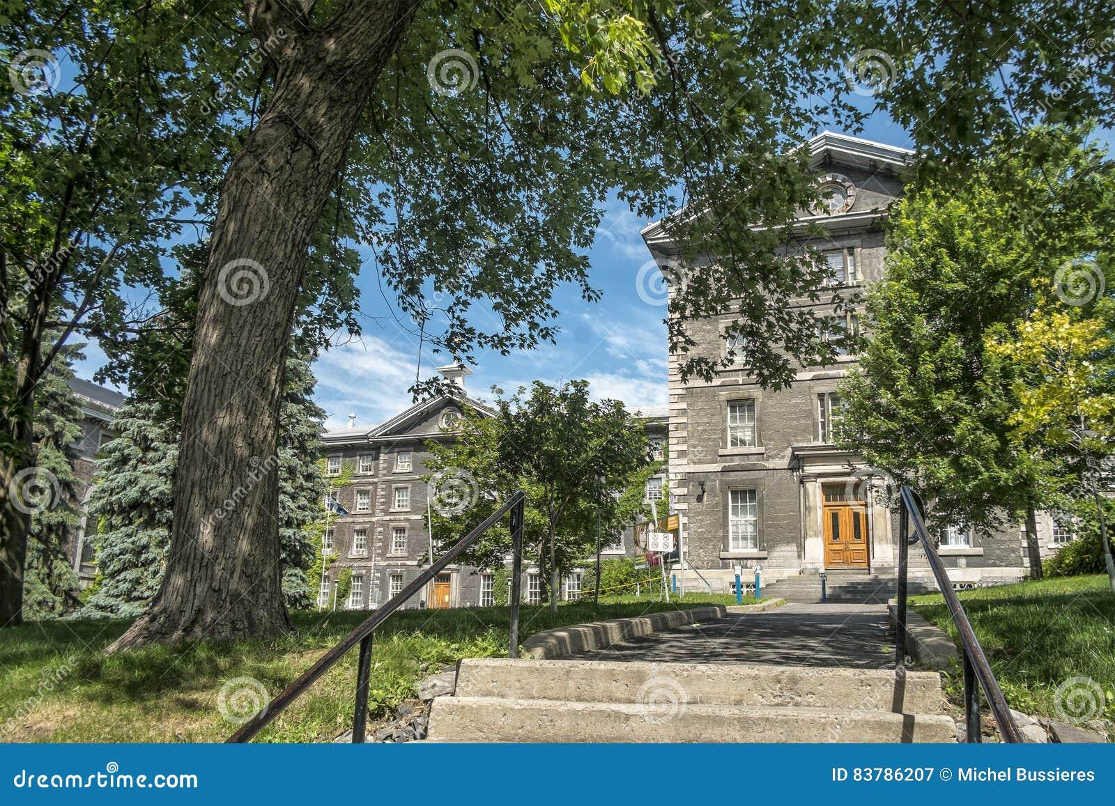 Collège de Montréal