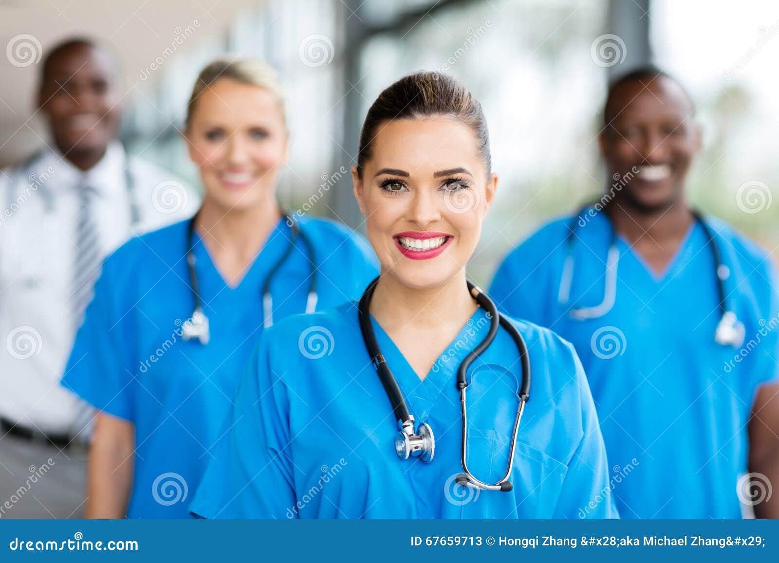 Collègues médicales d infirmière