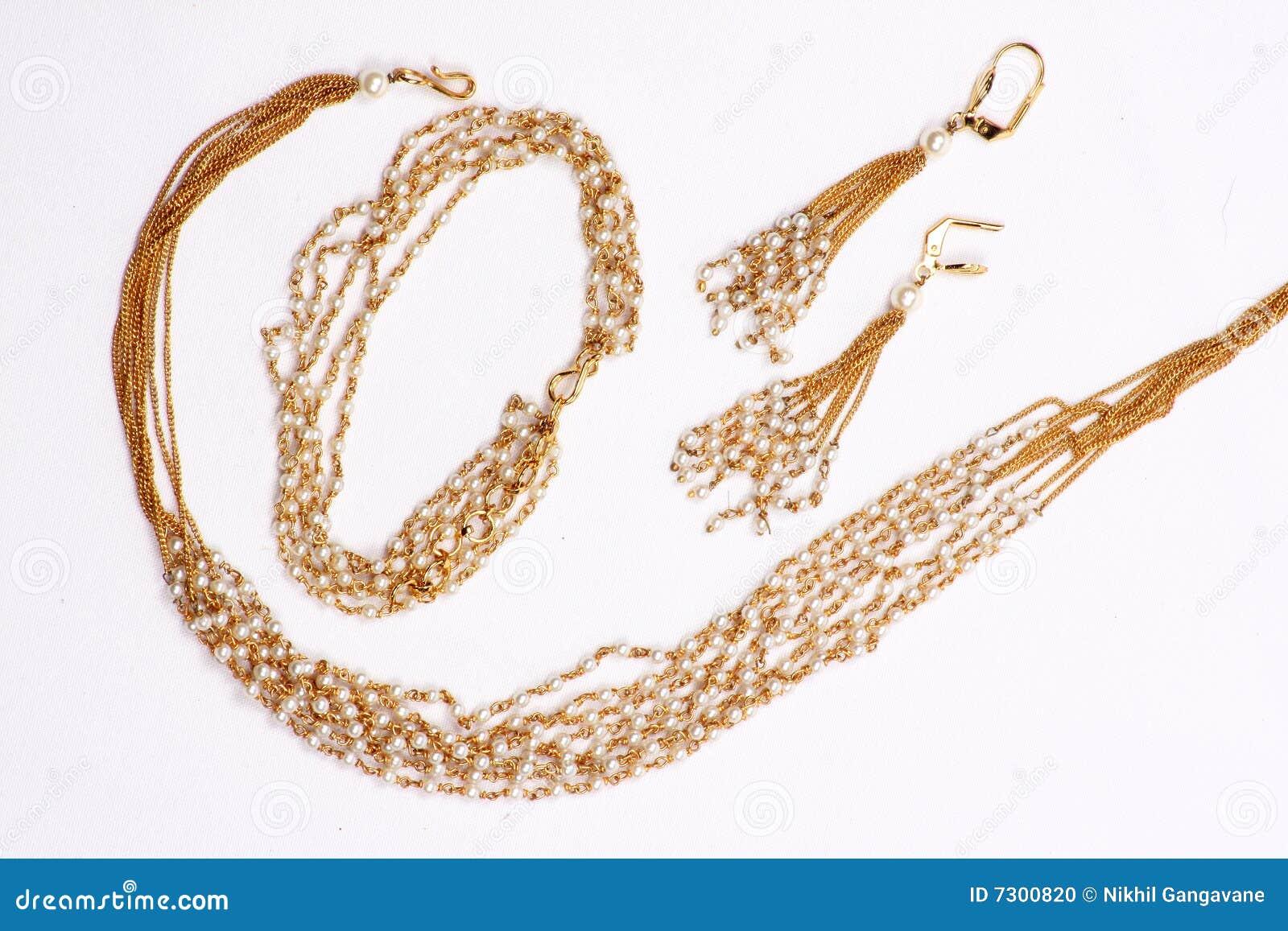 Collana dorata della perla