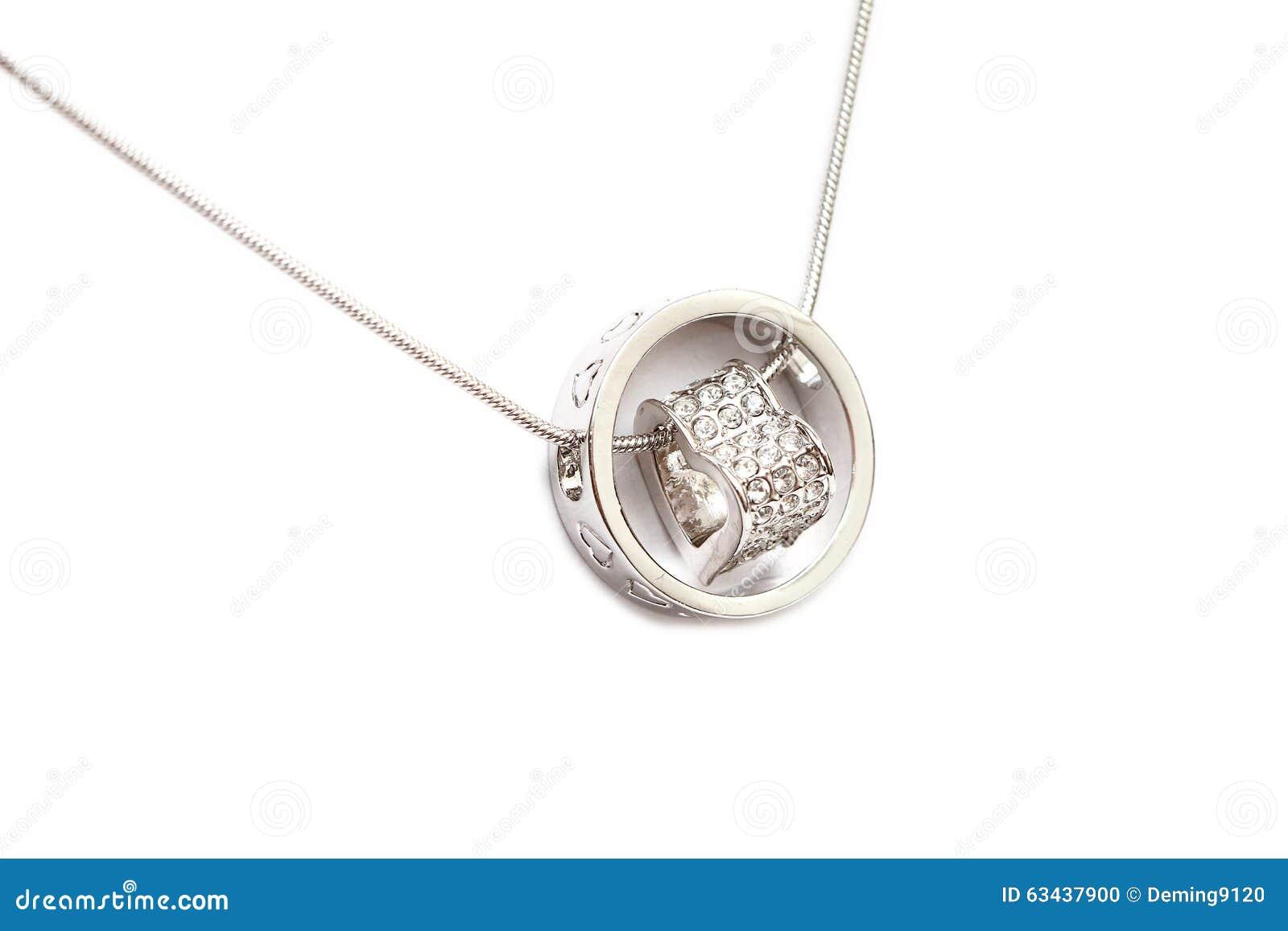 Collar de diamante chispeante