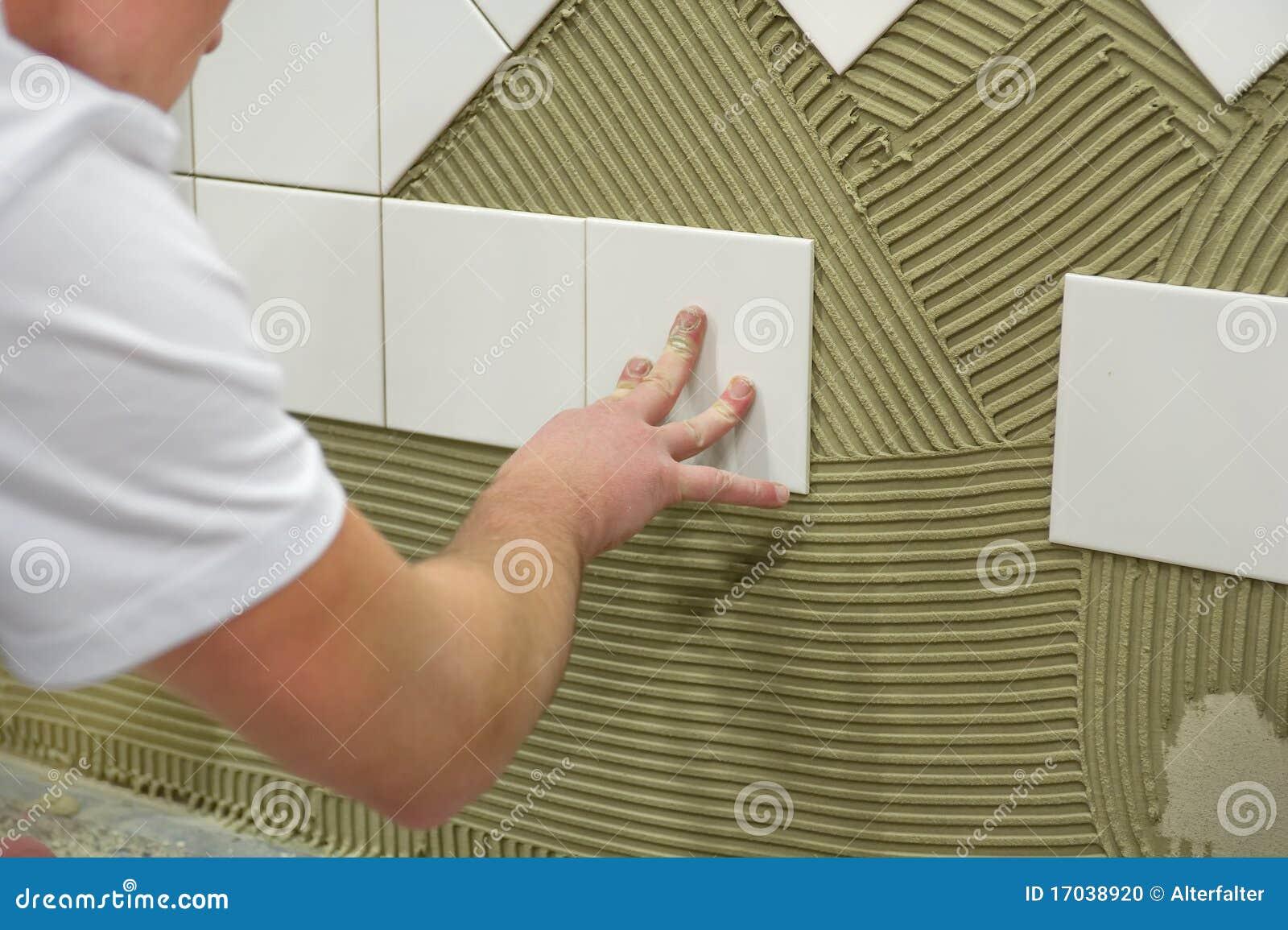 Colle de tuile de mur