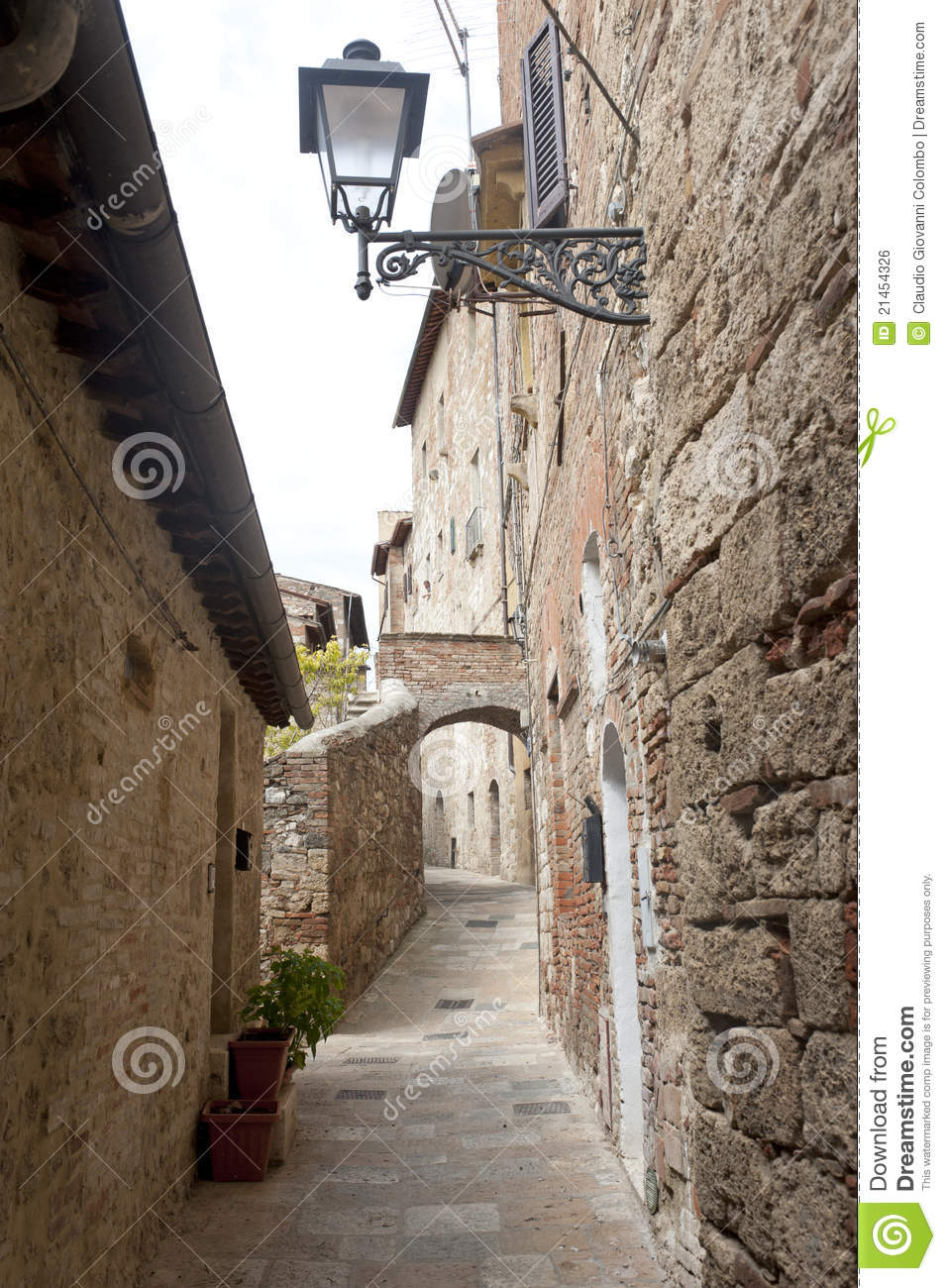 Colle Val D'Elsa Italy  city photos : Colle di Val d'Elsa Siena, Tuscany, Italy , typical old street.