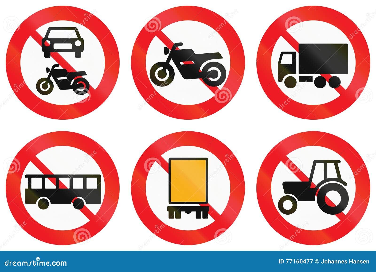 Collection de panneaux routiers utilisés au Danemark