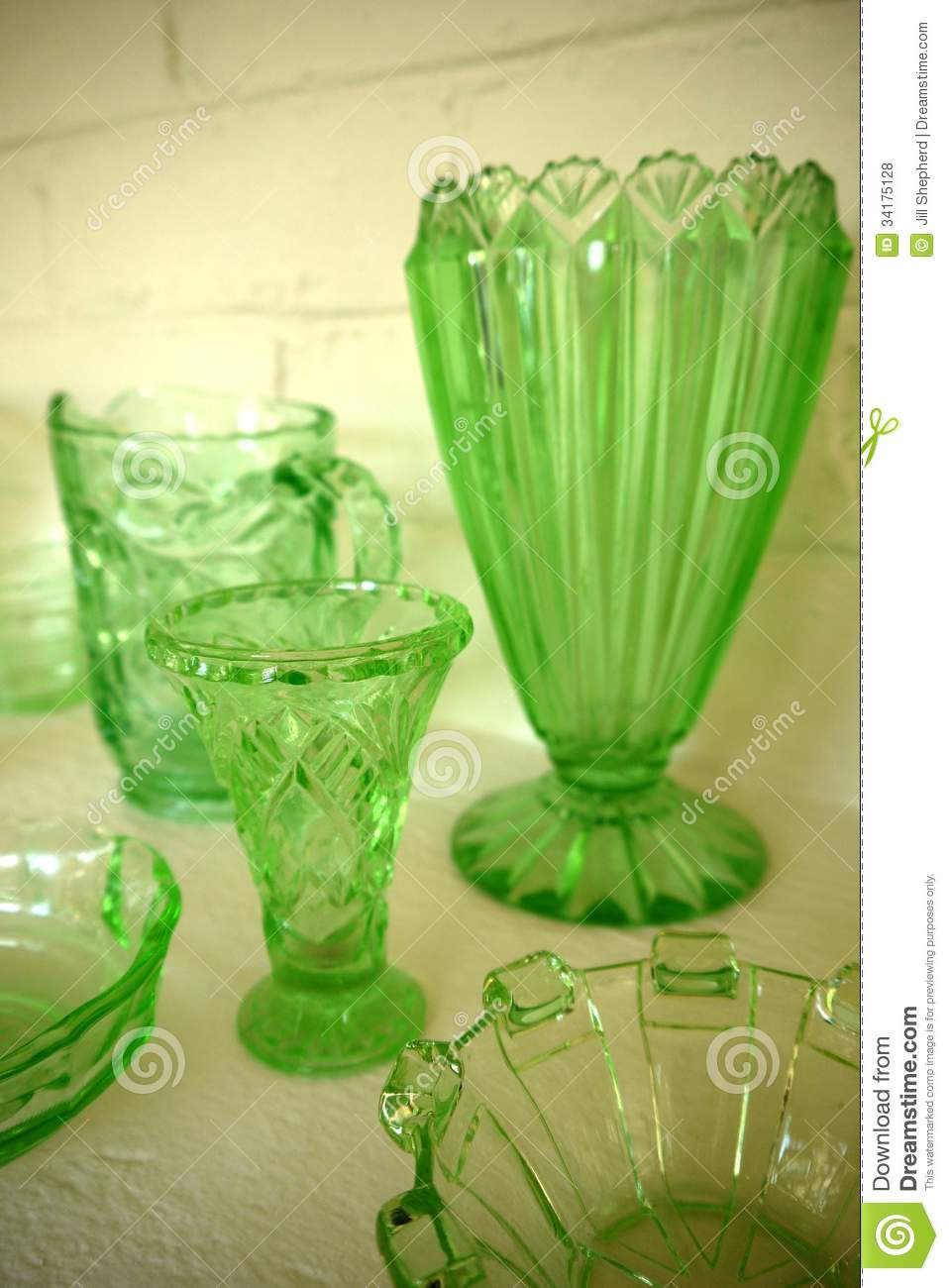vase tall img greenglass vases green product midmod glass decor