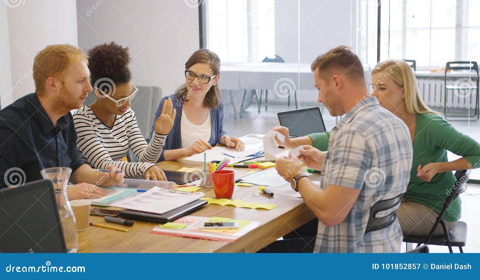 Colleghi in corso di lavoro
